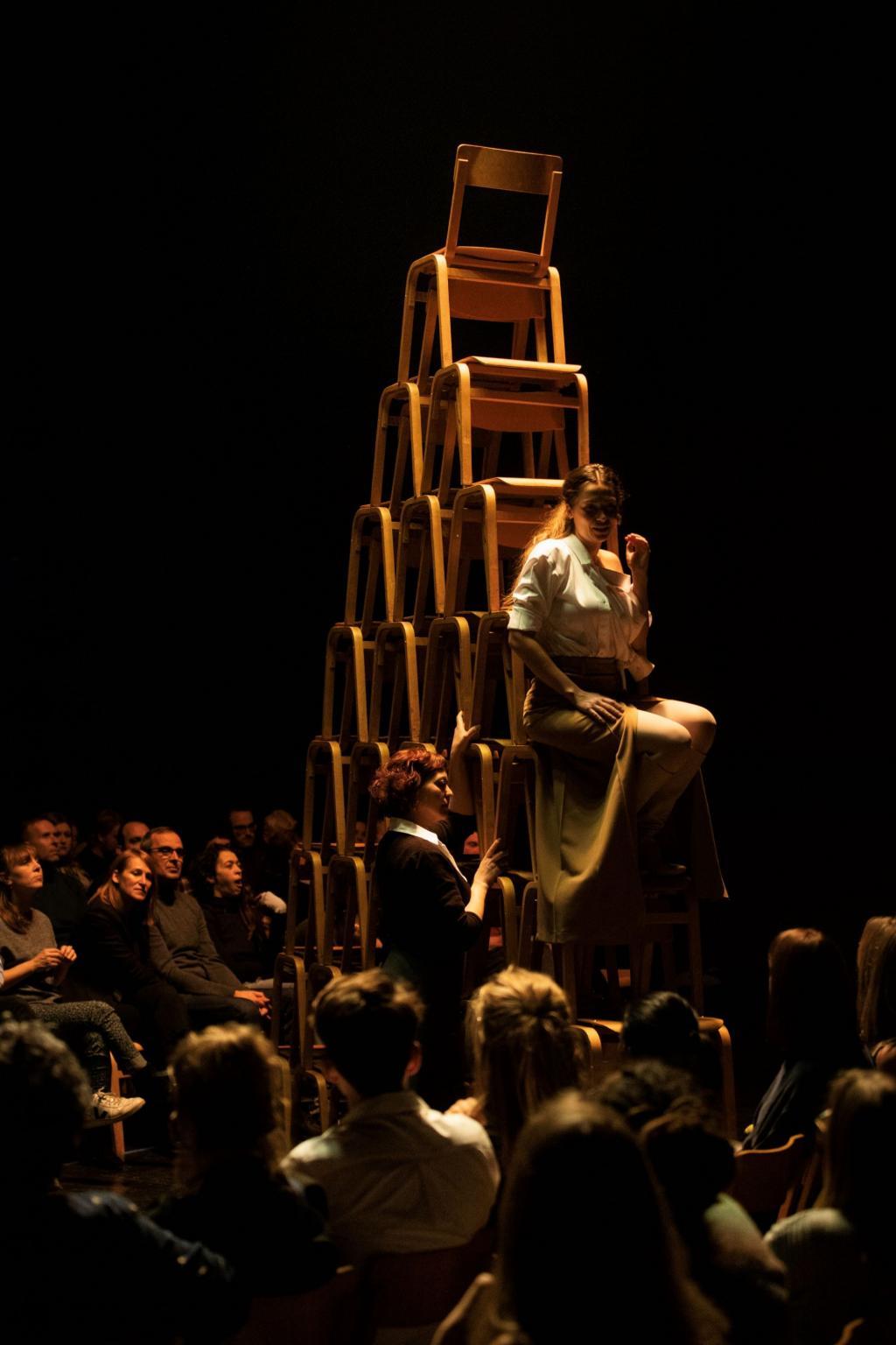 Een veeleisende stoelendans