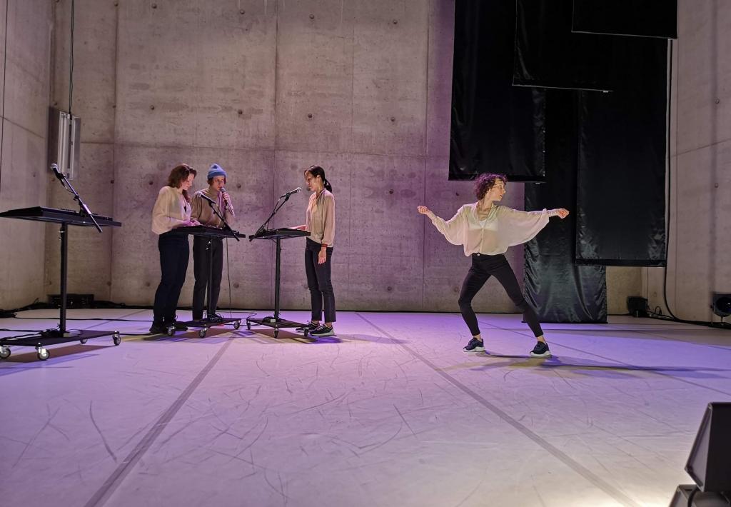 Dans, muziek en zang in de sporen van Joni Mitchell